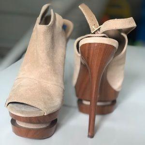 Jessica Simpson beige brown high heels